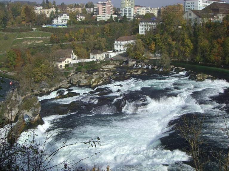 Watervallen Van Schaffhausen.Zwarte Woud Schaffhausen